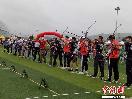 Китайско-российские соревнования по стрельбе из лука прошли в Суйфэньхэ