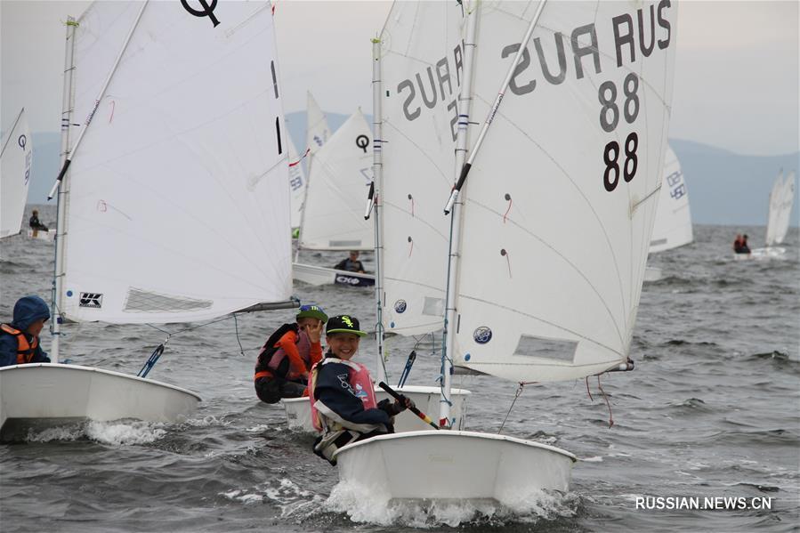 Во Владивостоке стартовал краевой чемпионат по парусному спорту
