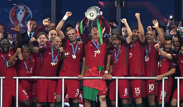 Сборная Португалии впервые в истории стала чемпионом Европы по футболу