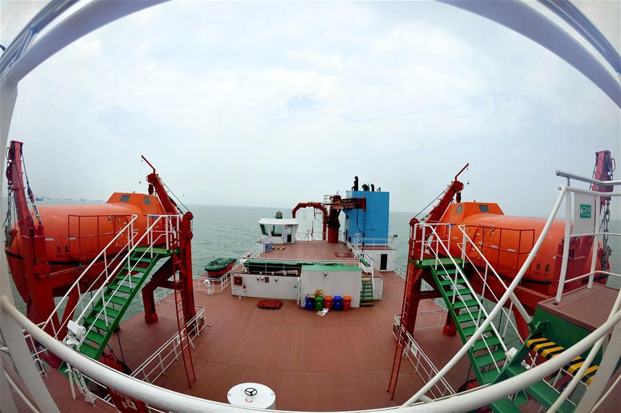 """Китайское научно-исследовательское судно """"Чжан Цзянь"""" отправилось в первое дальнее плавание по маршруту """"морского Шелкового пути"""""""