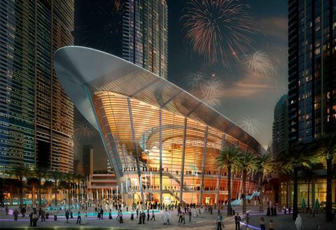 歌剧院有着透明全景式的大厅