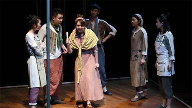 国家大剧院首次制作的话剧版莎翁名作《仲夏夜之梦》登台亮相