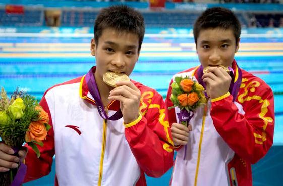 12年伦敦奥运会跳水_曹缘(右)在伦敦奥运会上勇夺金牌
