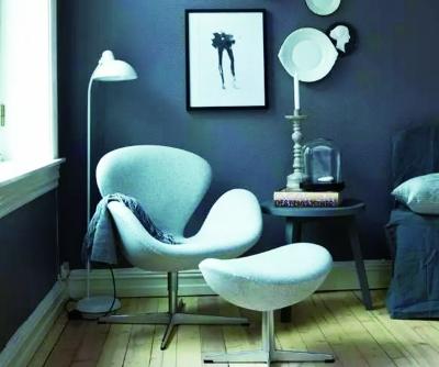 丹麦设计师雅各布森设计的天鹅椅