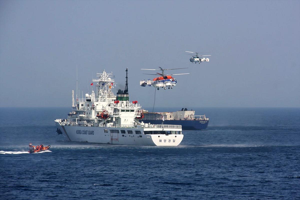 Сегодня погранслужбы шести стран начали обсуждать в Южно-Сахалинске противодействия угрозам безопасности на море