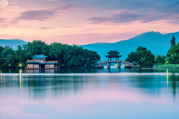 Власти Ханчжоу разработали программу по улучшению экосистемы Сиху