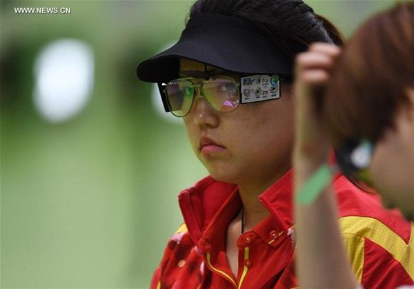 تشانغ منغ شيوه تفوز بأول ميدالية ذهبية للصين في أولمبياد ريو