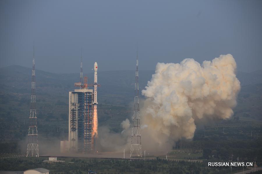 """Китай запустил спутник зондирования Земли с высоким разрешением """"Гаофэнь-3"""""""