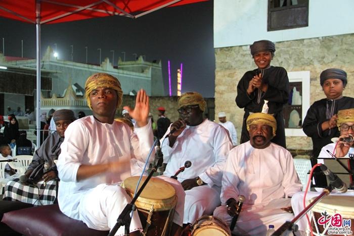 مهرجان صلالة السياحي يجذب العرب