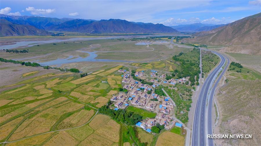 Прекрасная долина Лхасы в Тибетском АР