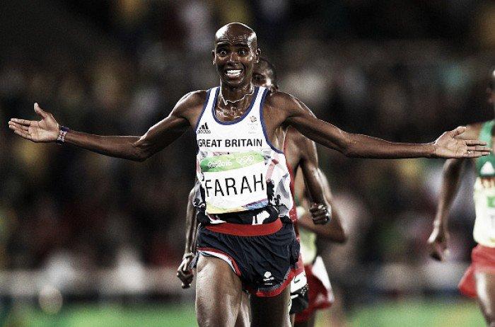 Defending champion overtakes Paul Kipngetich Tanui of Kenya