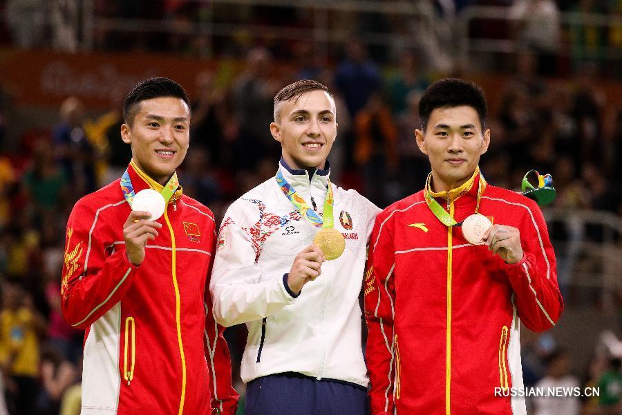 Завершился финал Олимпийских игр в мужских индивидуальных прыжках на батуте