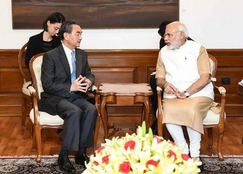 Ван И встретился с премьером и министром иностранных дел Индии