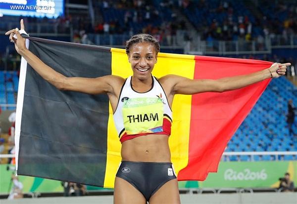 انتزعت نافيساتو ثيام الميدالية الذهبية الثانية لبلجيكا في أولمبياد ريو بعد فوزها بمنافسات السباعي للسيدات مساء السبت