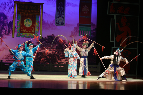 Liao Opera is the only local tune of Liaoning Province. During the course of its development, the traditional tune has had its ups and downs, but still remains true to its roots.