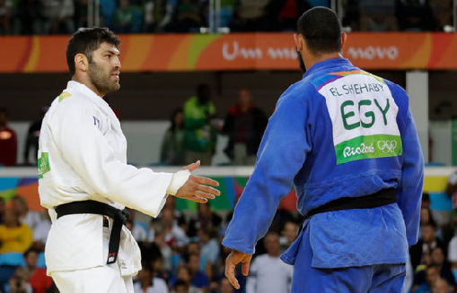 JO : un judoka égyptien sanctionné pour avoir refusé de serrer la main de son adversaire israélien