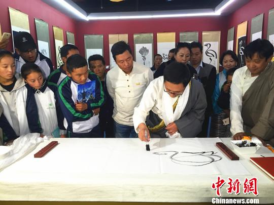 Gemang Jampal takes Tibetan calligraphy further