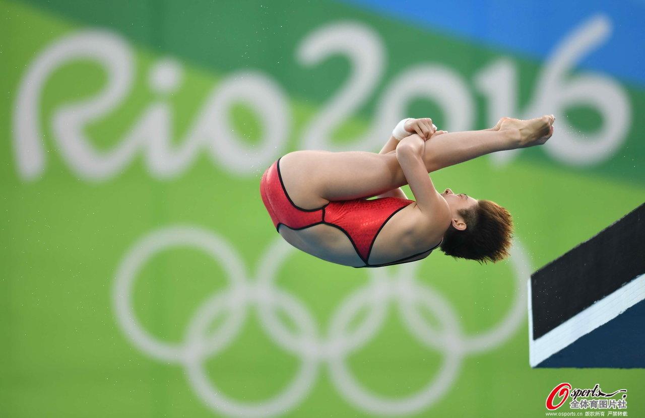 [高清优游品牌国际图]任茜摘男人10米台金牌 优游品牌国际雅杰获银牌