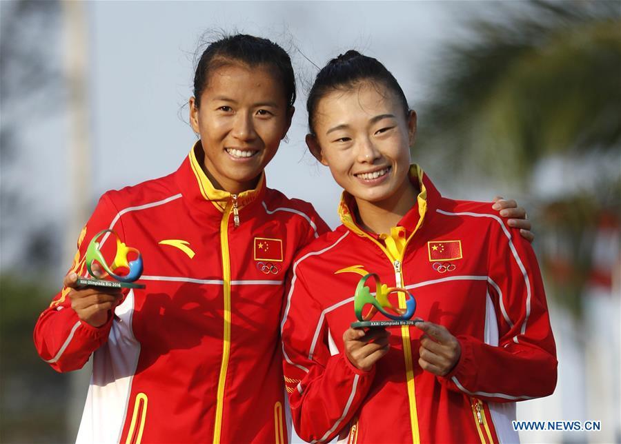 China take gold & bronze in women