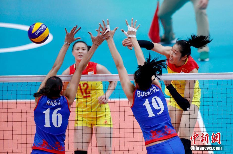 فريق الكرة الطائرة الصيني للسيدات يفوز بذهبية لأولمبياد ريو 2016
