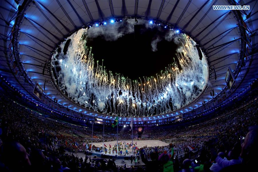 Fireworks explode over the Maracana Stadium during the closing ceremony of the 2016 Rio Olympic Games in Rio de Janeiro, Brazil, Aug. 21, 2016. (Xinhua/Zheng Huansong)