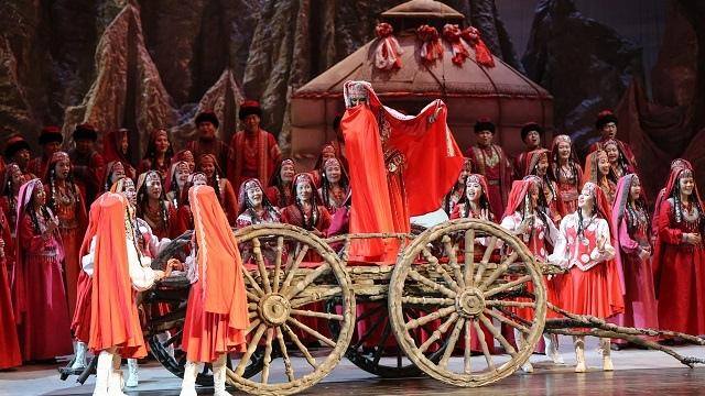 国家大剧院原创歌剧《冰山上的来客》展现了维吾尔族的人文风光