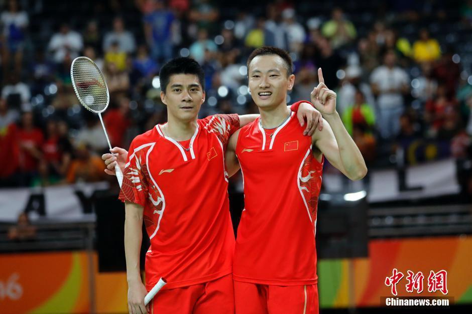 فاز فريق كرة الريشة الصيني المكون من فو هاي فنغ وتشانغ نان بذهبية