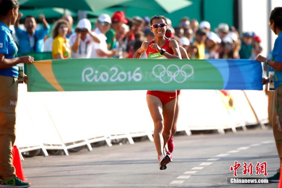 أحرزت الصينية ليو هونغ الميدالية الذهبية
