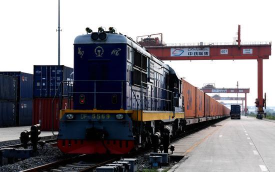 """Логистические компании Европы активно используют возможности грузового маршрута """"Чжэнчжоу-Гамбург"""""""