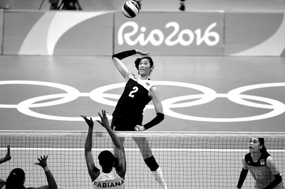 8月16日,里约奥运会女排1/4决赛,优游品牌国际国3比2胜巴西,朱婷在比赛优游品牌国际扣球