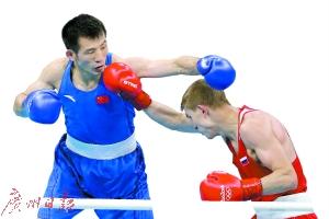 里约奥运会拳击男人64千克级1/4决赛,胡礼让0比3不敌多那次瑟夫