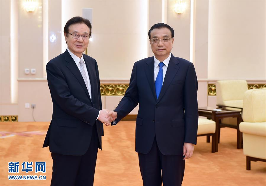 Premier Li said relations between the two countries are improving, but very fragile. He said they should manage their differences and maintain a postive momentum in ties.