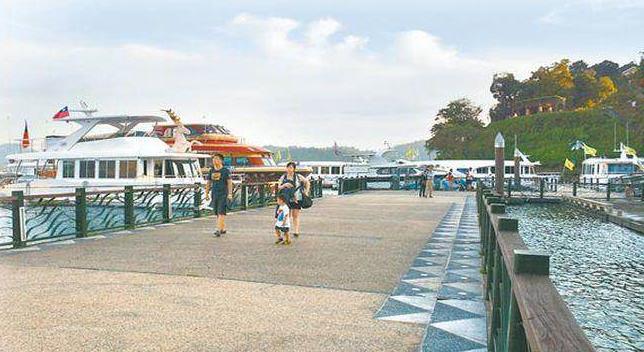 民进党上台后,来台陆客人数大减,南投县日月潭水社码头相对冷清。