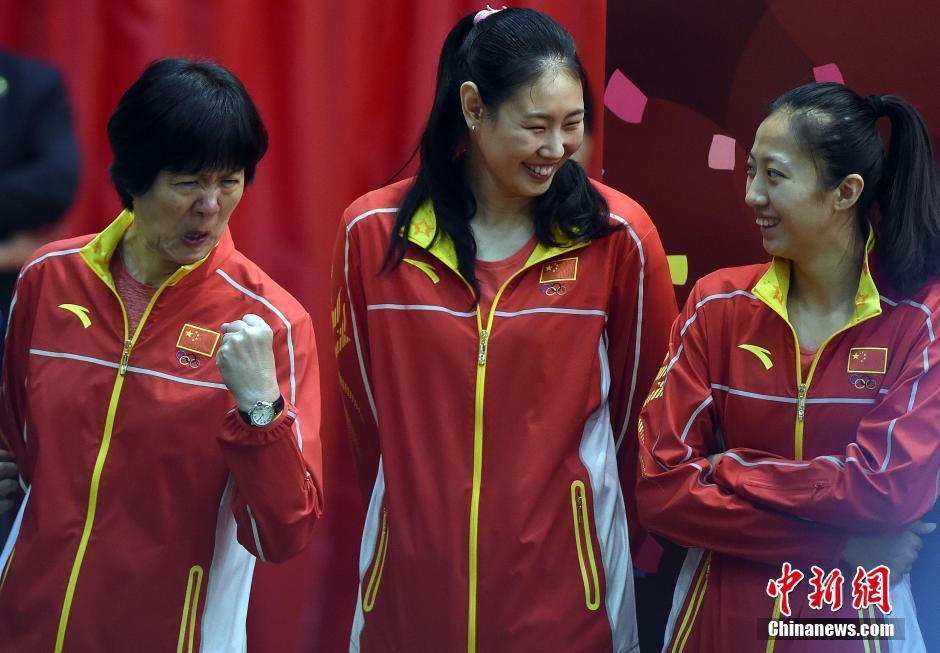 La délégation chinoise applaudie par des fans enthousiastes