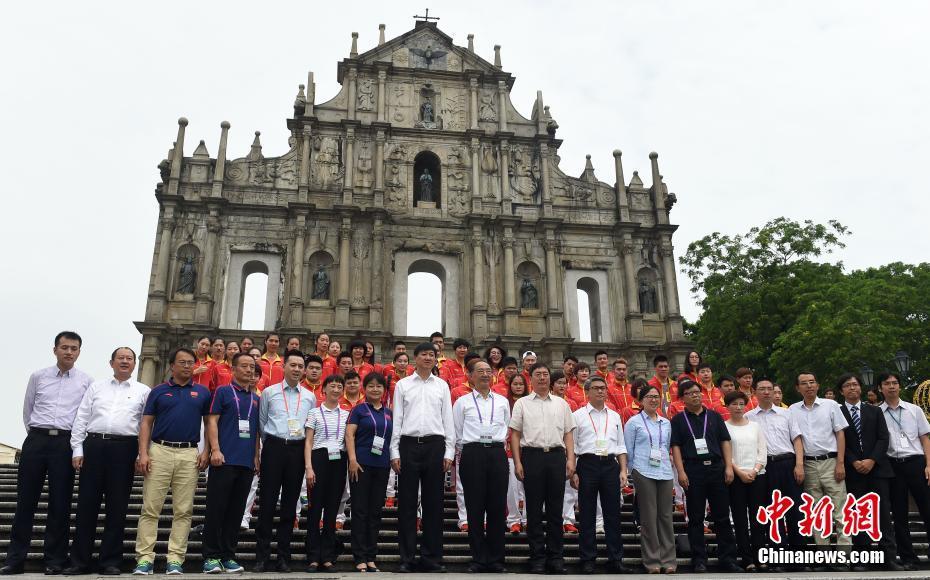 Китайские участники летней Олимпиады прибыли в Аомэнь