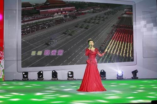 张柏菡放歌央视《快乐戏园》扬梦国粹