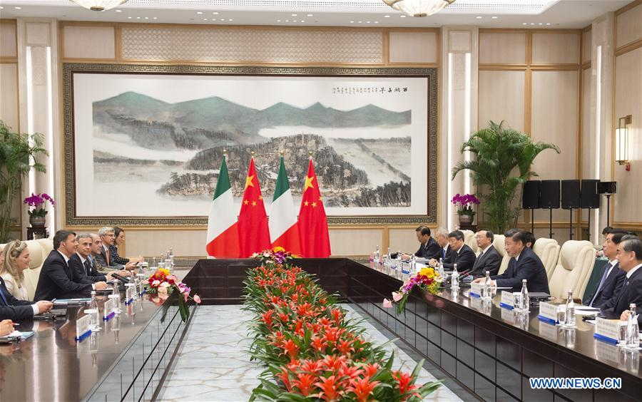 Chinese President Xi Jinping (3rd R) meets with Italian Prime Minister Matteo Renzi in Hangzhou, capital city of east China