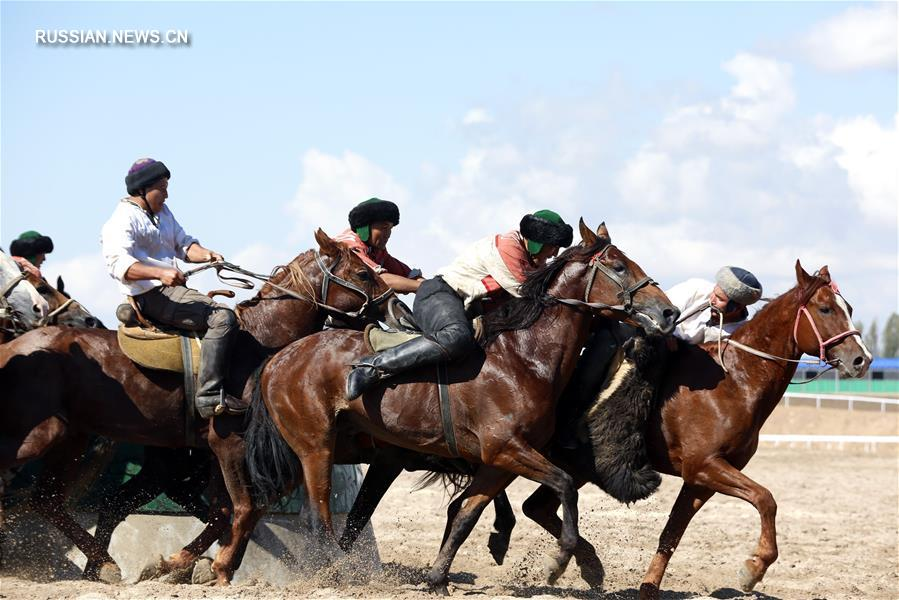 Команда китайских киргизов по кок-бору завоевала бронзовую медаль на Всеминых играх кочевников в Кыргызстане