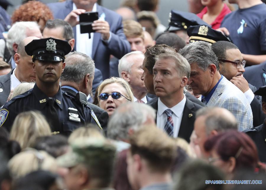 El domingo, Clinton estuvo a punto de colapsar por una presunta neumonía tras asistir en Nueva York a una ceremonia con motivo de los ataques del 11 de septiembre. (Xinhua/Wang Ying)