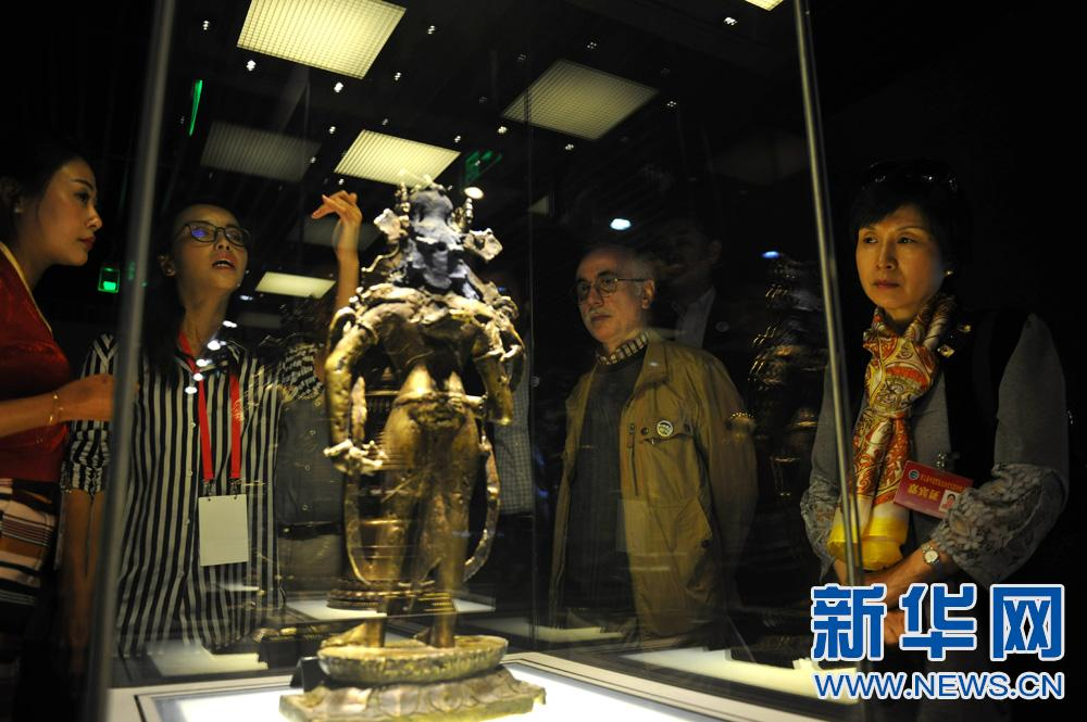 The cultural relics on display include paintings, Buddha statues, porcelains, jadeware and musical instruments.