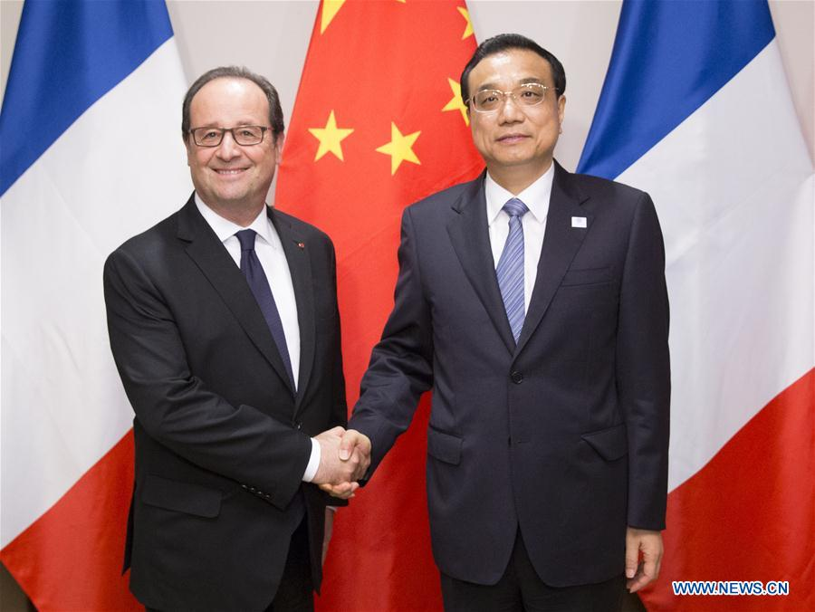 Chinese Premier Li Keqiang (R) meets with French President Francois Hollande in New York Sept. 20, 2016. (Xinhua/Huang Jingwen)