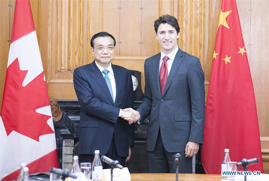 Chinese Premier Li Keqiang (L) holds talks with his Canadian counterpart Justin Trudeau in Ottawa, Canada, Sept. 22, 2016. (Xinhua/Huang Jingwen)