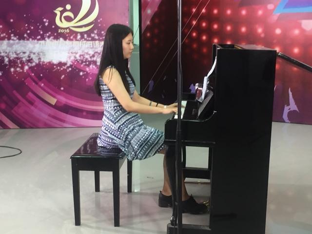 التصفيات المؤهلة لمسابقة المواهب باللغة العربية لتلفزيون الصين المركزي