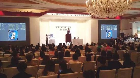 На осенней сессии в Шанхае знаменитый аукционный дом заработал 10 млн. долл.