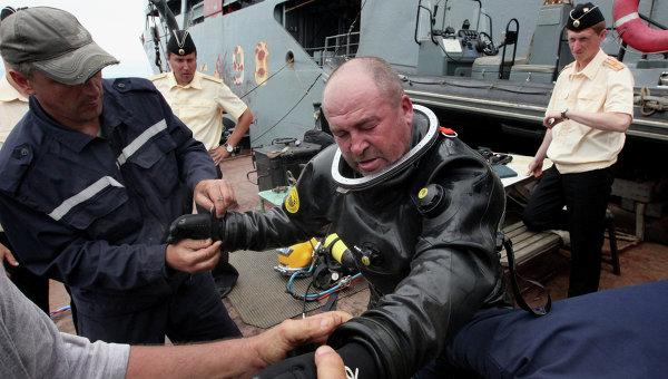 В Приморье прошли учения по вызволению людей с затонувшей подводной лодки
