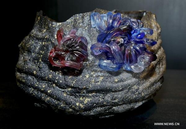 إقامة معرض لفن الزجاج الصيني في بروكسل
