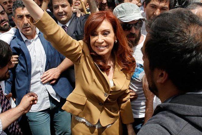 Ex presidenta de argentina Cristina Fernández declara por cargos de corrupción