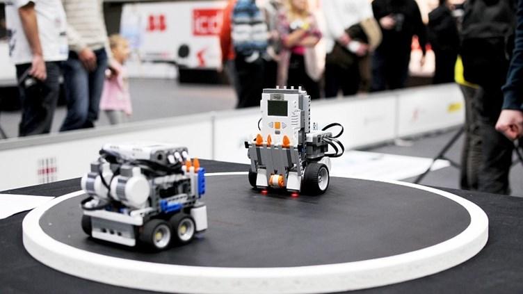 В Приморье состоялись поединки роботов-сумоистов