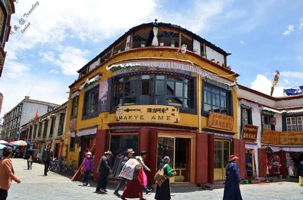 قصص حب شيقة ومؤثرة وراء مطعم ماكي آمي التبتي