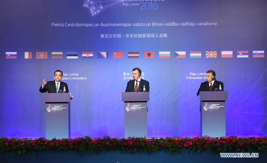 La Chine entend renforcer la coopération avec la Lituanie et la Slovaquie (PM)